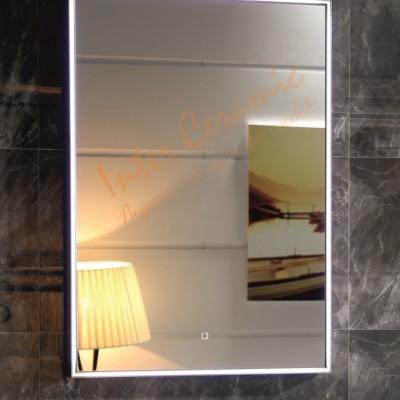 Огледало за баня с LED осветление ICL 1798